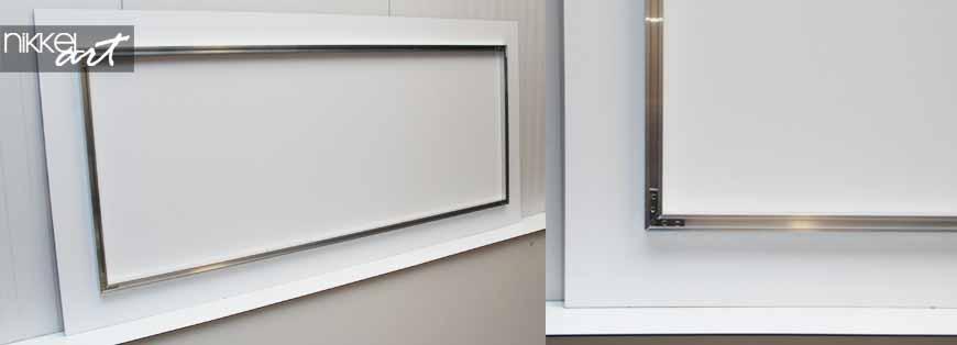 Foto op plexiglas met aluminium frame ophangen nikkel for Schilderij op aluminium