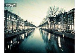 Amsterdam straat uitzicht op de gracht nachts