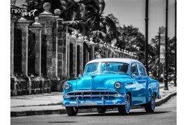 Oude Amerikaanse auto op de beroemde avenue van de Malecon in Havana