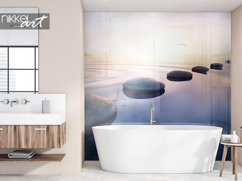 Een foto achterwand voor extra sfeer in de badkamer
